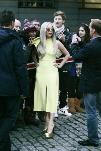 Lady+Gaga+Lady+Gaga+in+Yellow+5ggNRkW9Qsbl