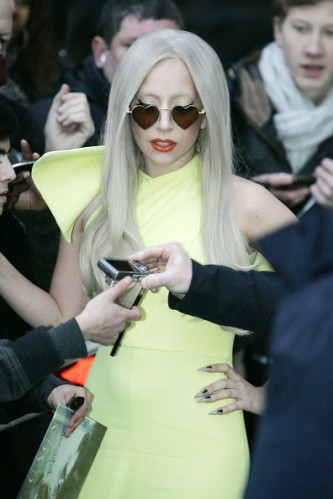Lady+Gaga+Lady+Gaga+in+Yellow+K7kpCSx83tVl
