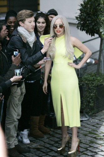 Lady+Gaga+Lady+Gaga+in+Yellow+uJHxsMxlQjVl