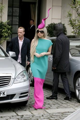 Lady+Gaga+Lady+Gaga+wearing+hat+reminiscent+O1saHV8aM87l