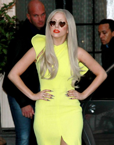 Lady+Gaga+lemon+yellow+Lady+Gaga+greets+fans+srfQLLXyXGcl